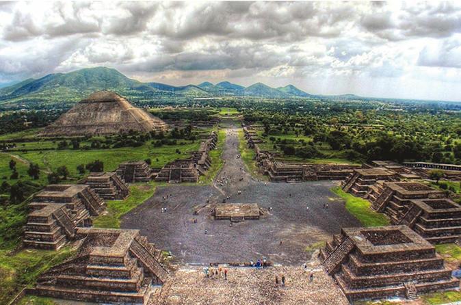 Excursão particular pela Cidade do México que inclui Teotihuacan, Murais e a Basílica de Guadalupe
