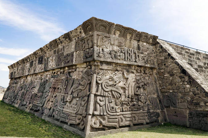 Private Tour: Taxco and Xochicalco Day Trip from Mexico City