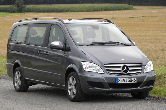Private Arrival Transfer by Luxury Van from Berlin Central Station