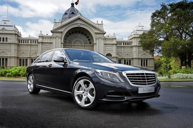 Private Arrival Transfer: Heathrow Airport to Central London in a Luxury Car