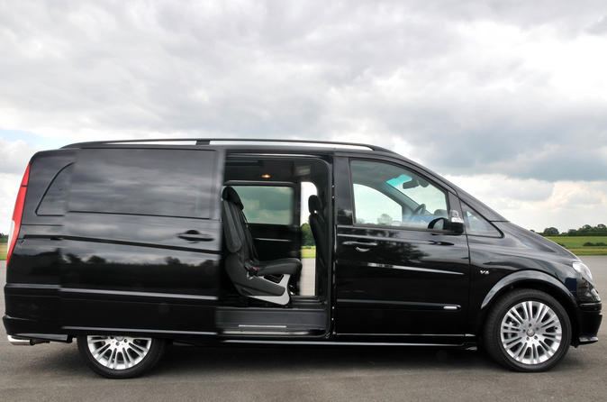 Private Arrival Transfer: Heathrow Airport to Central London in a Luxury Van