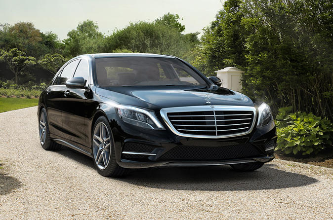 Private Arrival Transfer in Luxury Sedan from Frankfurt International Airport