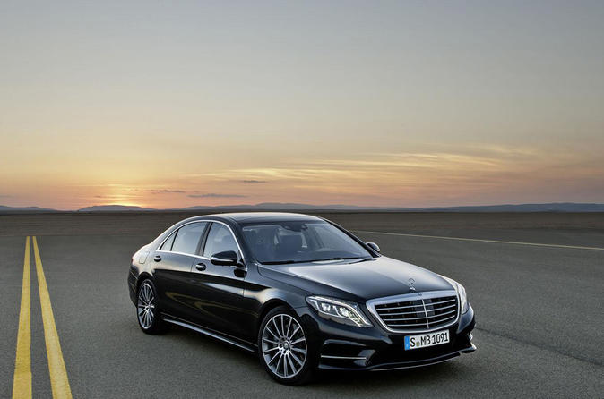 Private Arrival Transfer: Stansted Airport to Central London in a Luxury Car