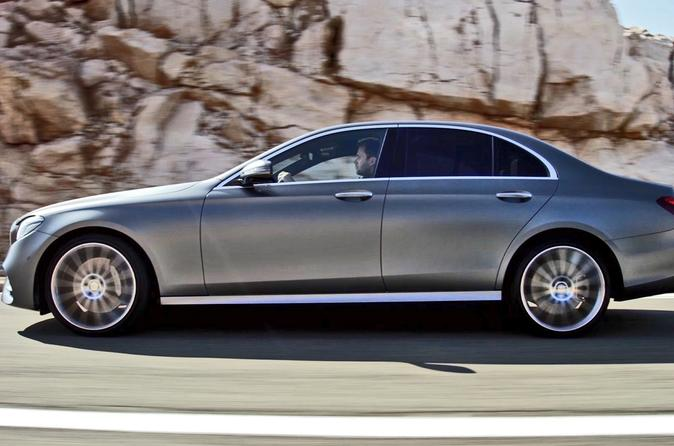 Private Arrival Transfer: Stansted Airport to Central London in a Business Car