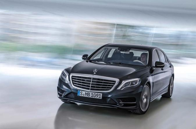 Private Departure Transfer: Central London to Heathrow Airport in a Luxury Car