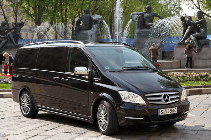 Private Departure Transfer: Central London to Luton Airport in a Luxury Van