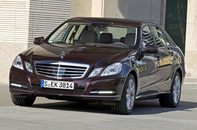 Private Transfer by Business Car to Prague from Vienna