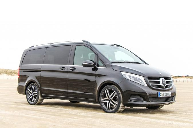 Private Transfer to Prague from Vienna by Luxury Van