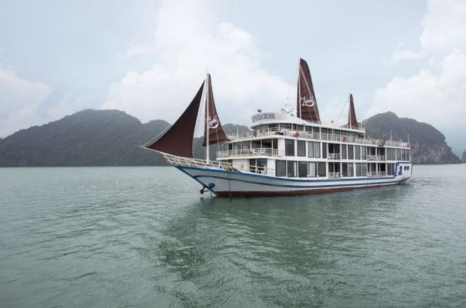 La Pinta cruise 3 days 2 nights
