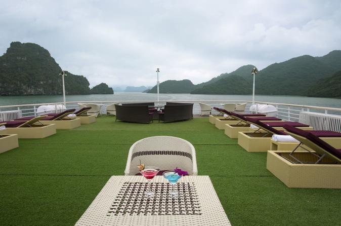 Lan Ha Bay 2-day with La Pinta cruiser