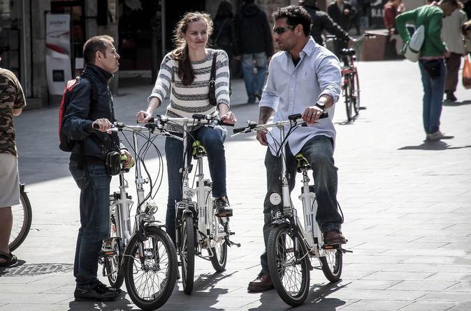 Barcelona 5-Neighborhood Guided E-Bike Tour