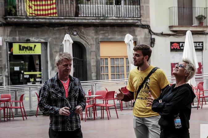 Gràcia Neighborhood: Guided Walking Tour in Barcelona