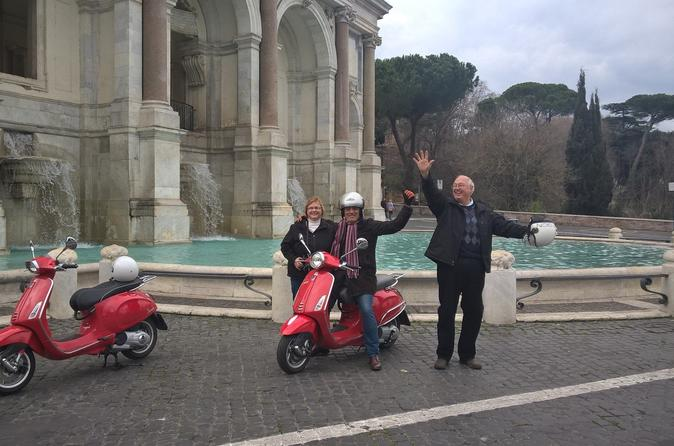 Hills of Ancient Rome Vespa Tour
