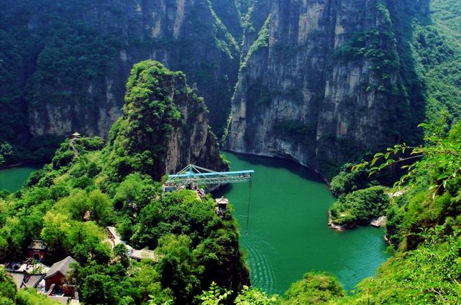 Private Longqingxia Gorge Cruise and Great Wall One Day Tour